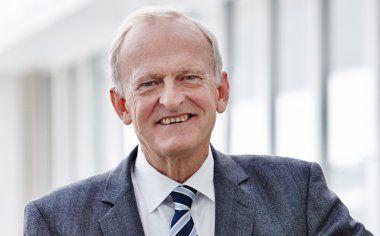Dr. Henrik Topsøe, Chariman